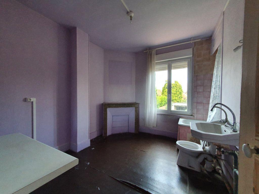 Maison à vendre 11 209m2 à Chauny vignette-3
