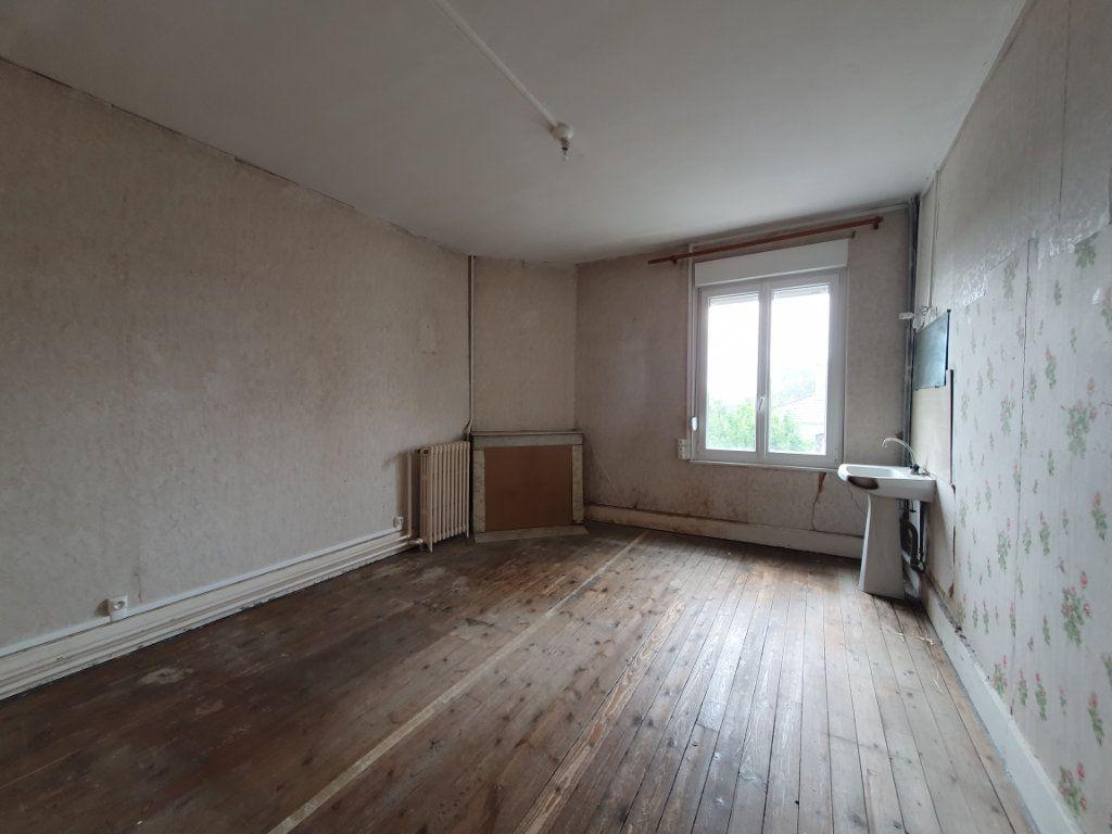 Maison à vendre 11 209m2 à Chauny vignette-4