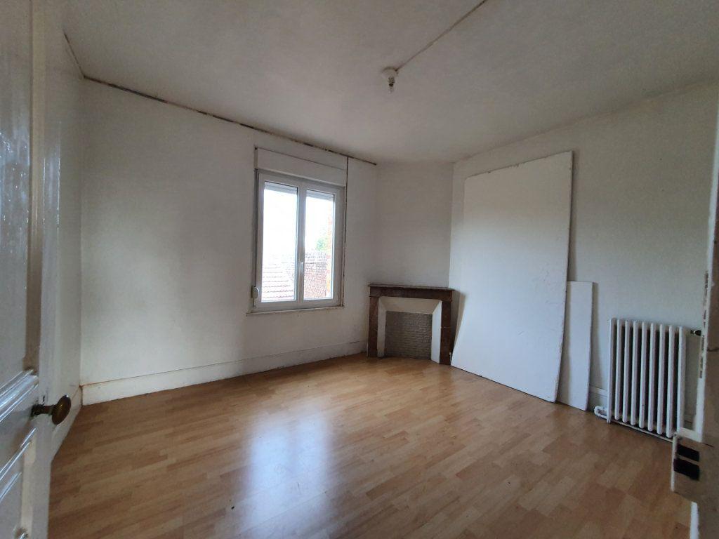 Maison à vendre 11 209m2 à Chauny vignette-5