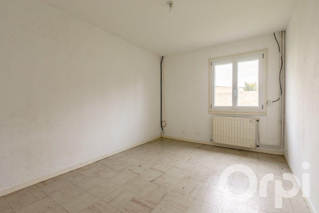 Maison à vendre 4 115m2 à Chauny vignette-7