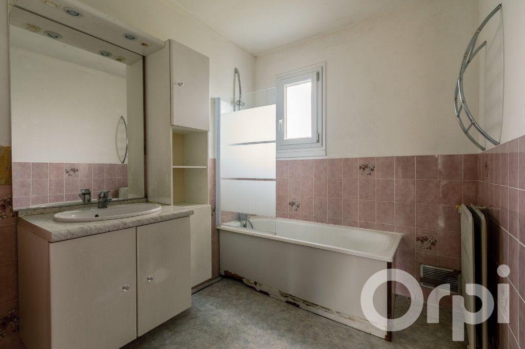 Maison à vendre 4 115m2 à Chauny vignette-9