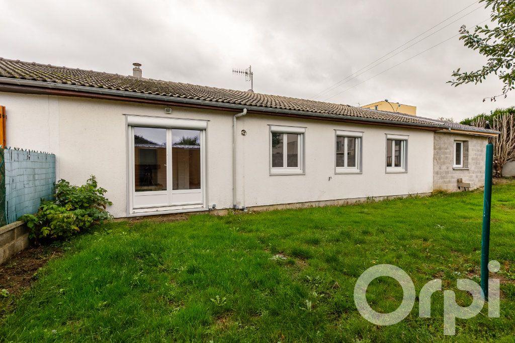 Maison à vendre 4 115m2 à Chauny vignette-10
