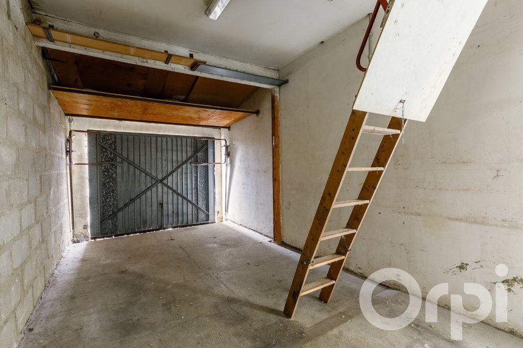 Maison à vendre 4 115m2 à Chauny vignette-11
