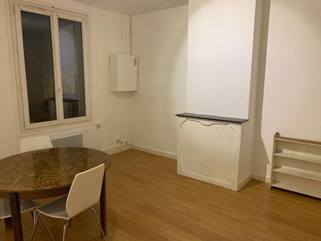 Appartement à louer 2 42m2 à Tergnier vignette-2