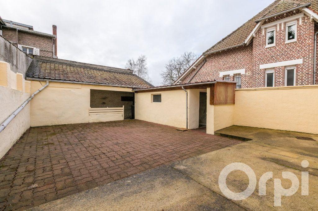 Maison à vendre 5 124.11m2 à Chauny vignette-3