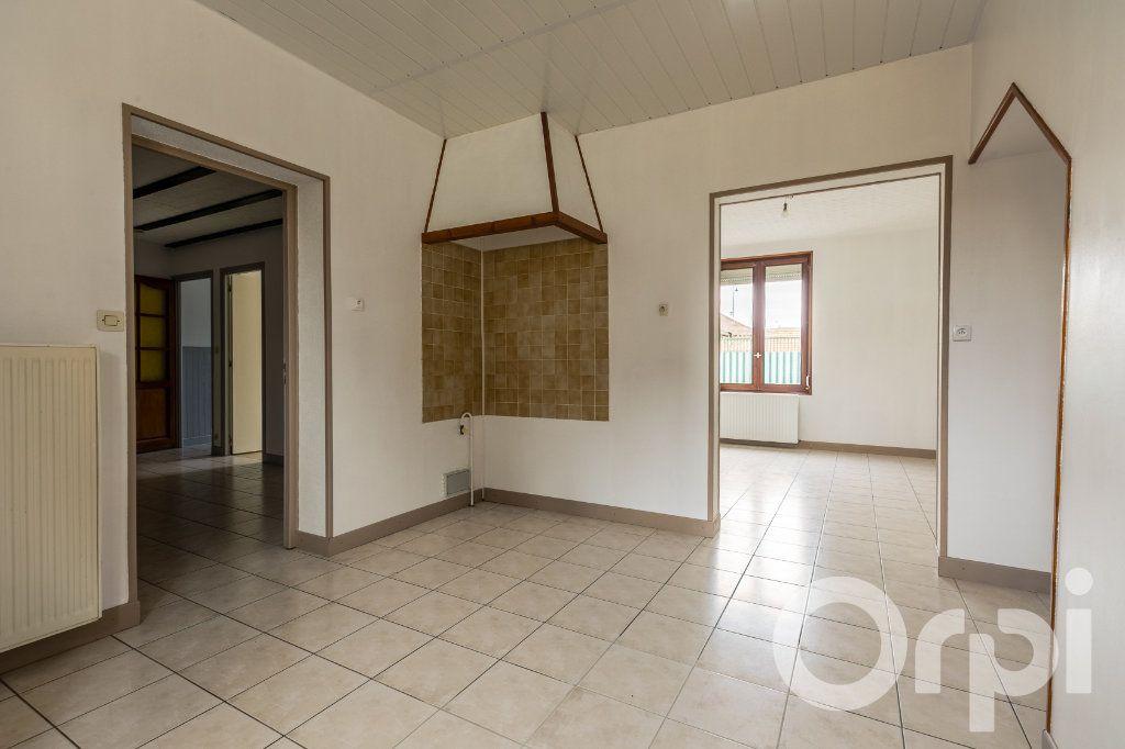 Maison à vendre 5 124.11m2 à Chauny vignette-6