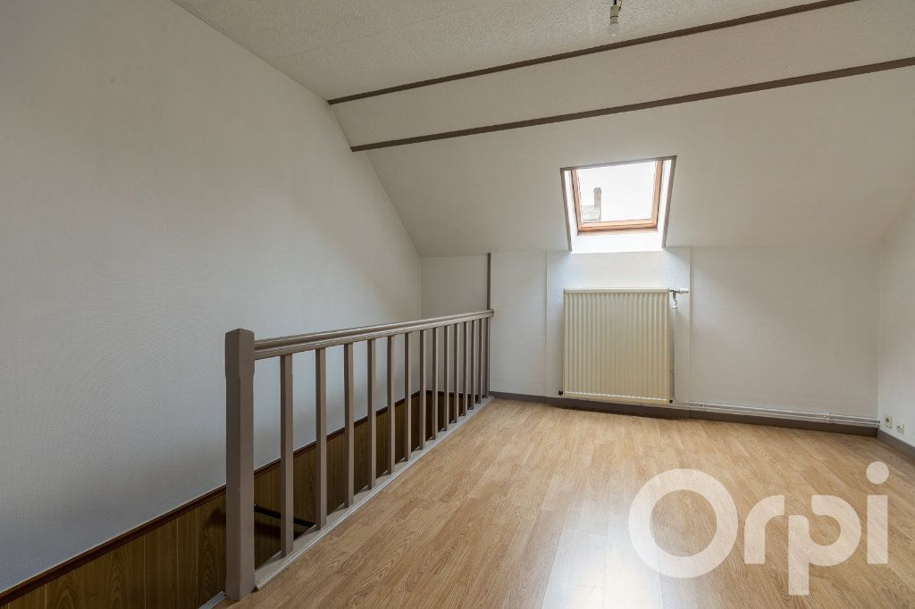 Maison à vendre 5 124.11m2 à Chauny vignette-11