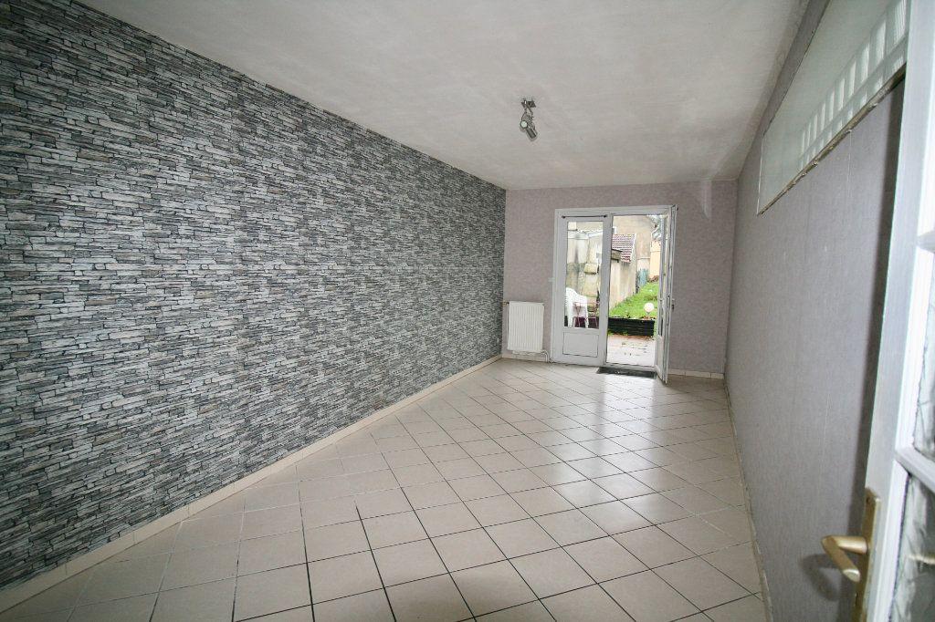 Maison à vendre 5 110m2 à Tergnier vignette-2