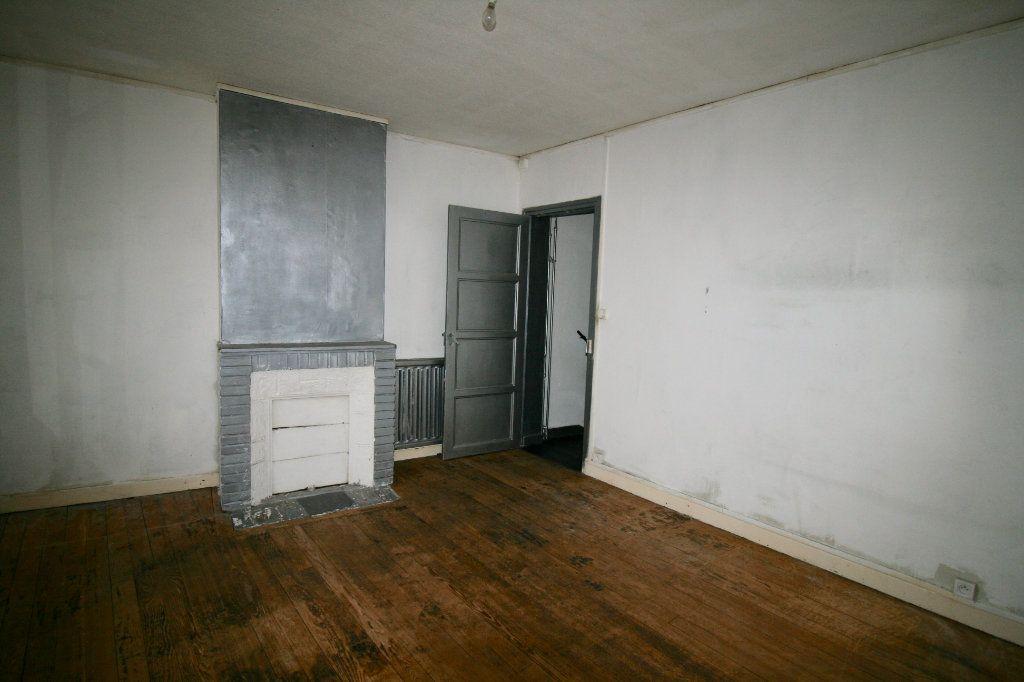 Maison à vendre 5 110m2 à Tergnier vignette-6