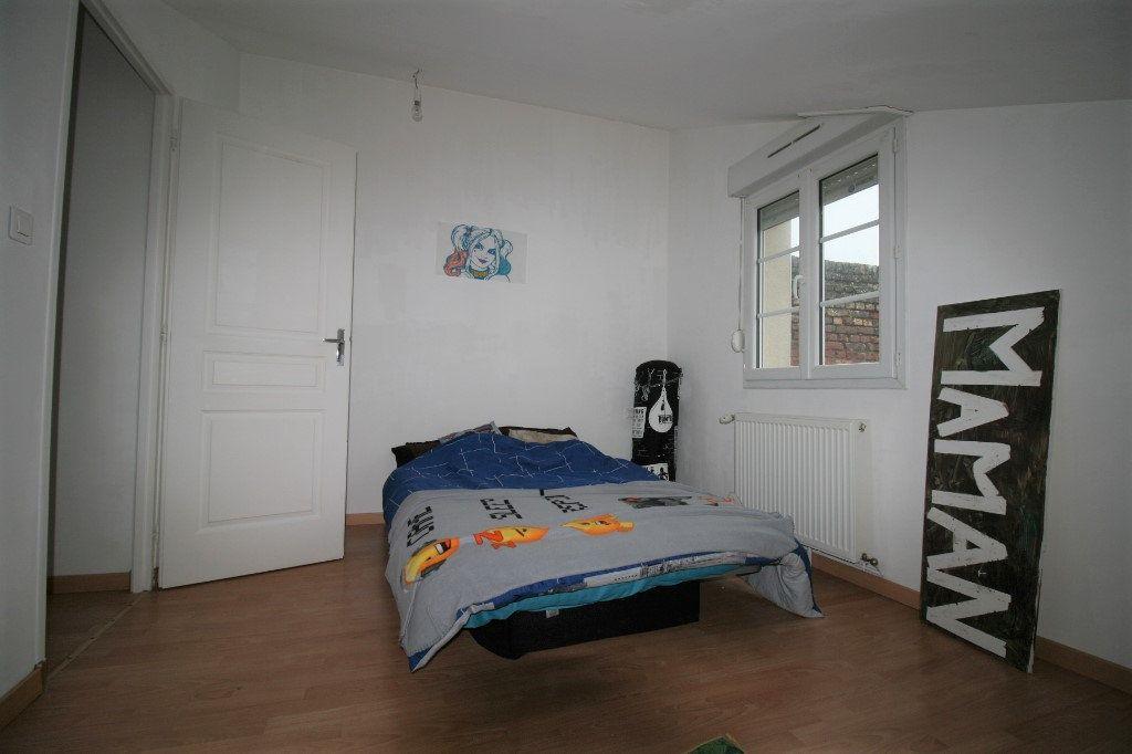 Appartement à vendre 5 98m2 à La Fère vignette-5