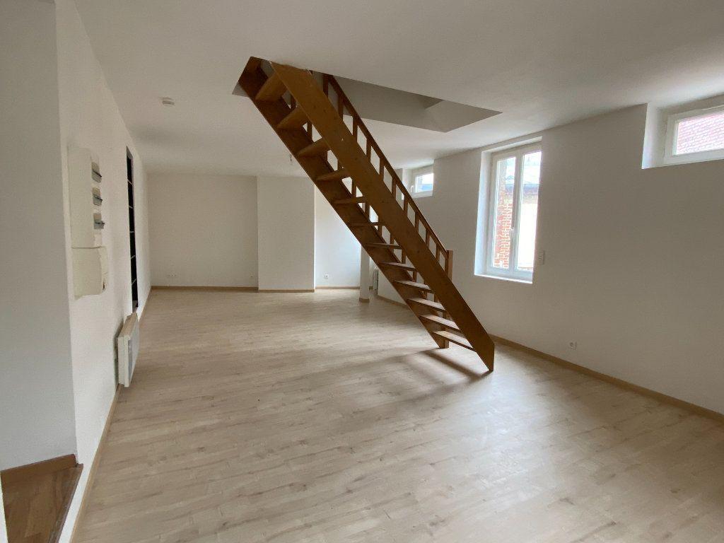 Appartement à vendre 4 69.84m2 à Chauny vignette-2