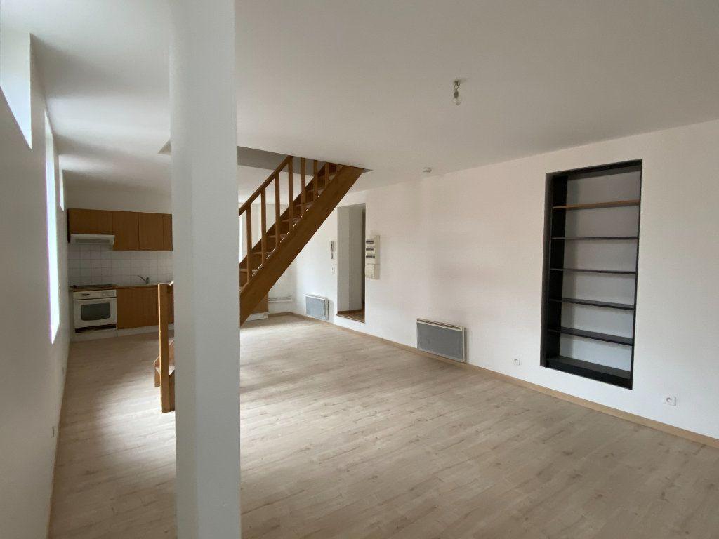 Appartement à vendre 4 69.84m2 à Chauny vignette-3