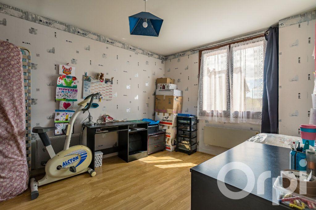 Maison à vendre 5 138m2 à Chauny vignette-5