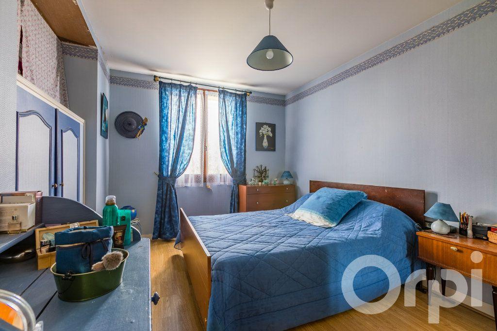 Maison à vendre 5 138m2 à Chauny vignette-6