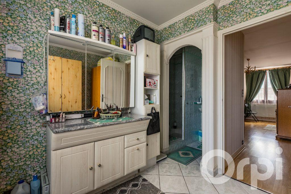 Maison à vendre 5 138m2 à Chauny vignette-7