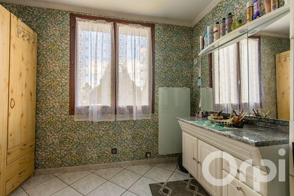 Maison à vendre 5 138m2 à Chauny vignette-9