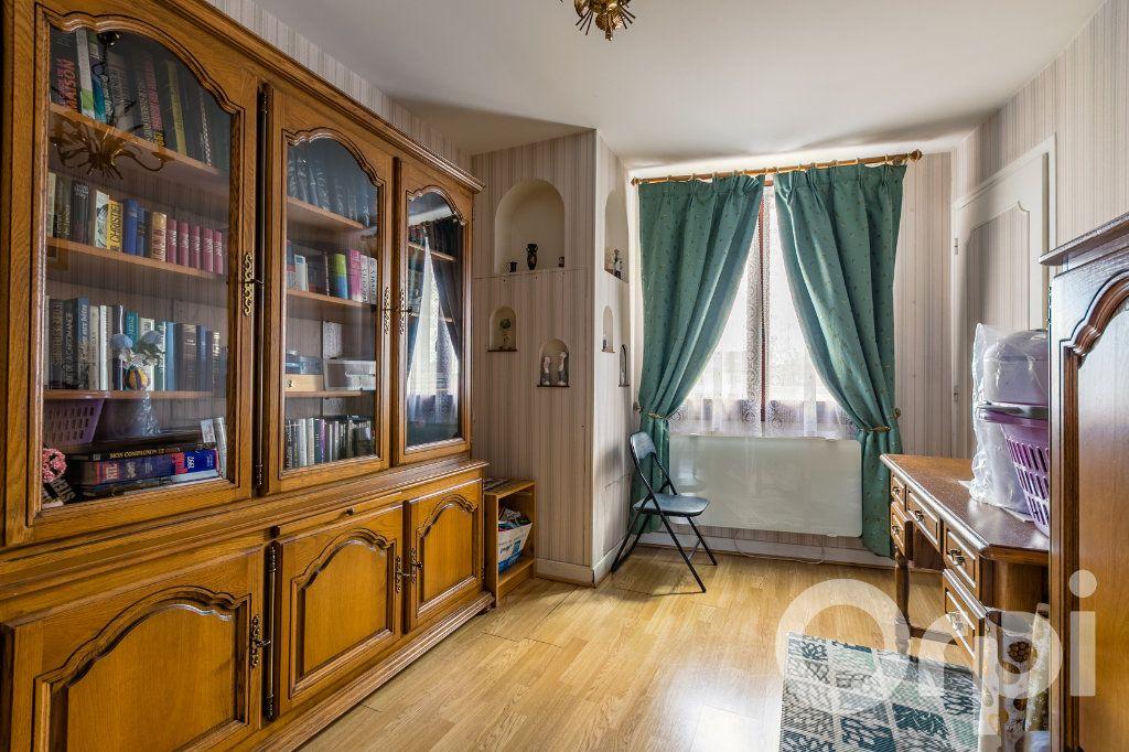 Maison à vendre 5 138m2 à Chauny vignette-10