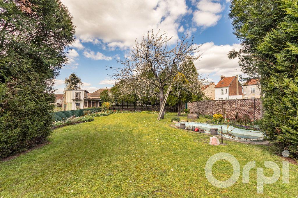 Maison à vendre 5 138m2 à Chauny vignette-13