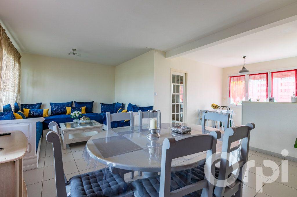 Appartement à vendre 4 79.33m2 à Chauny vignette-4