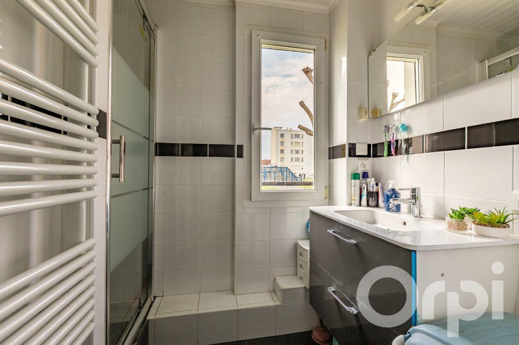 Appartement à vendre 4 79.33m2 à Chauny vignette-7