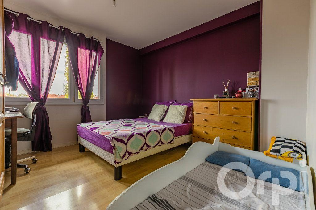 Appartement à vendre 4 79.33m2 à Chauny vignette-8