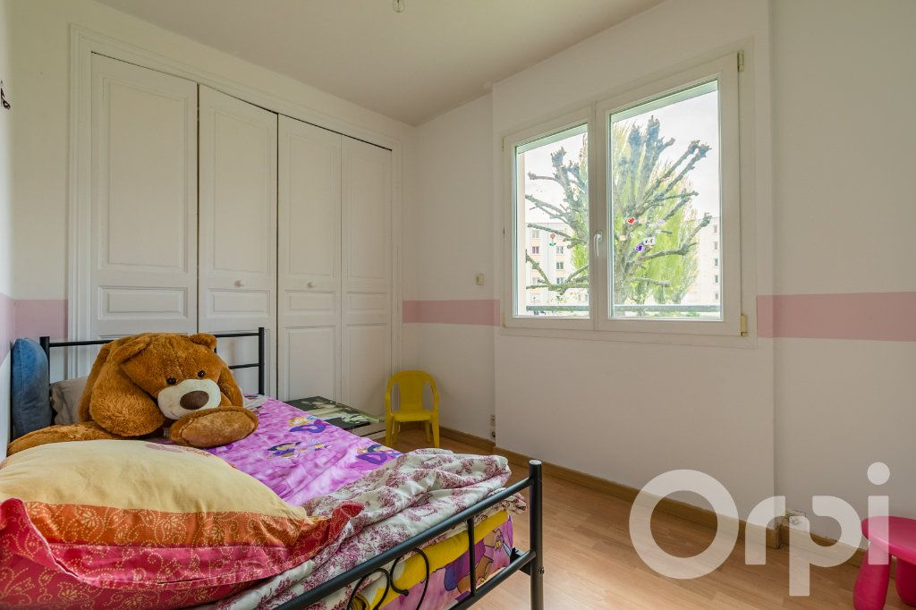 Appartement à vendre 4 79.33m2 à Chauny vignette-12
