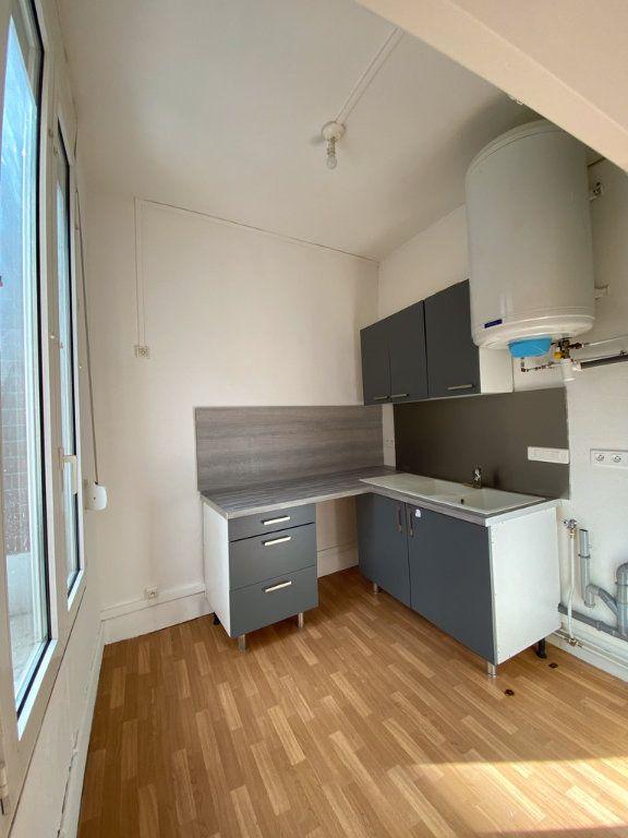 Appartement à louer 2 38m2 à Chauny vignette-2