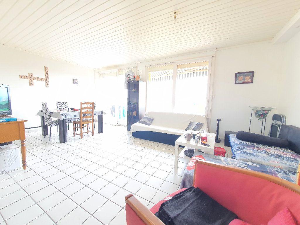 Appartement à louer 4 78.49m2 à Chauny vignette-1