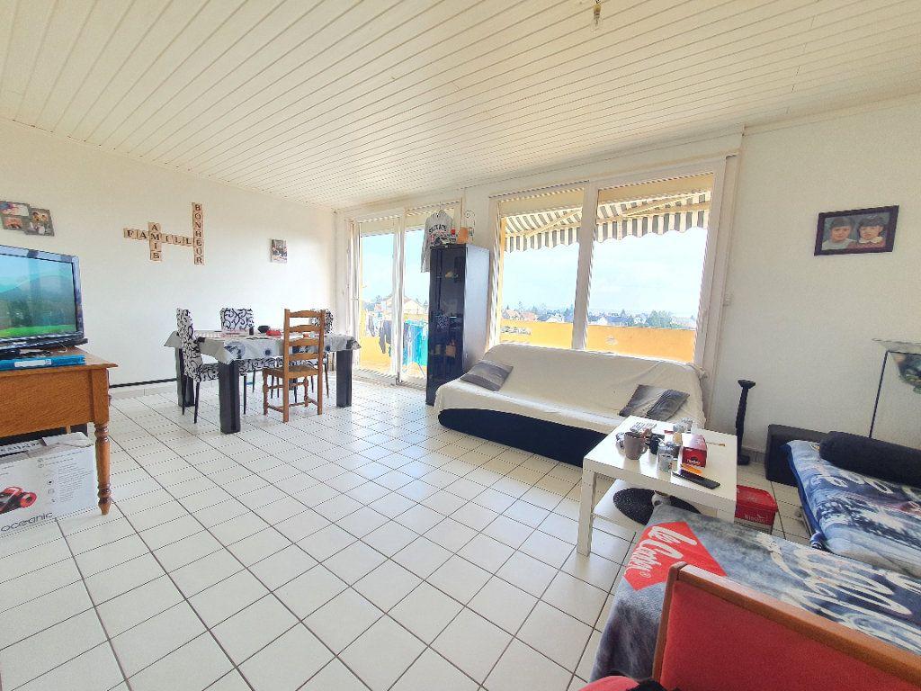Appartement à louer 4 78.49m2 à Chauny vignette-2