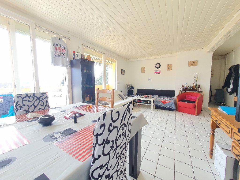 Appartement à louer 4 78.49m2 à Chauny vignette-3