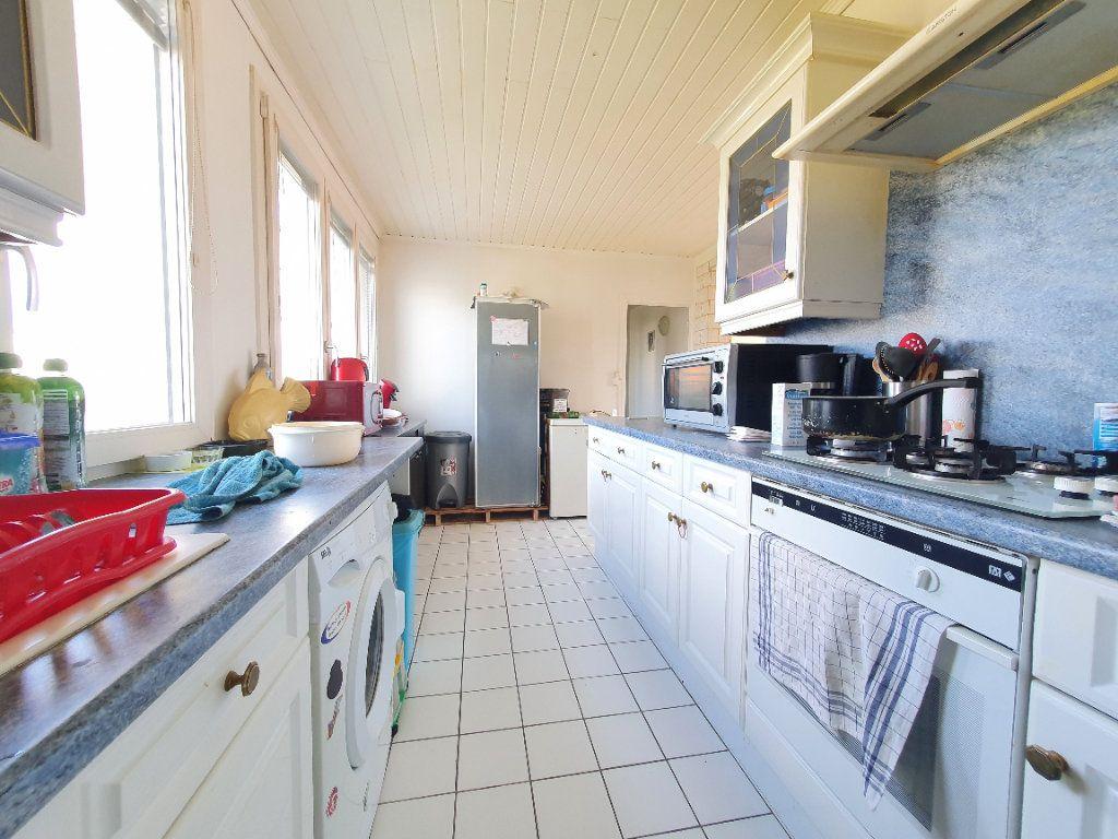 Appartement à louer 4 78.49m2 à Chauny vignette-4
