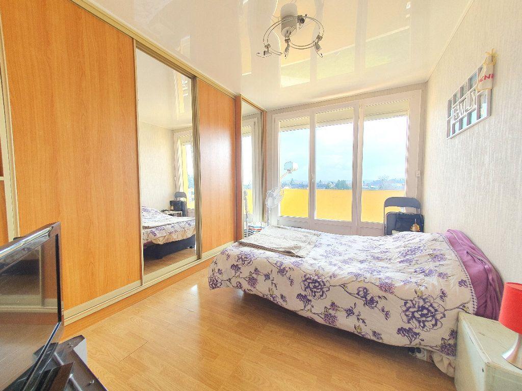 Appartement à louer 4 78.49m2 à Chauny vignette-5