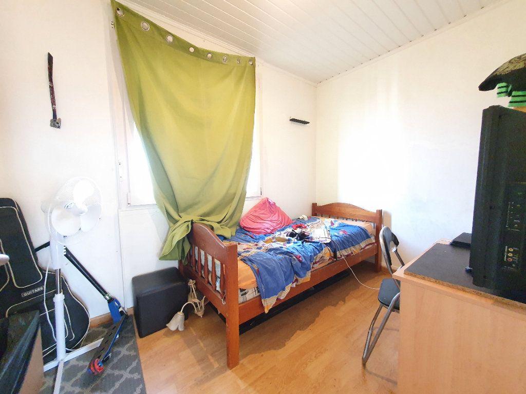 Appartement à louer 4 78.49m2 à Chauny vignette-6