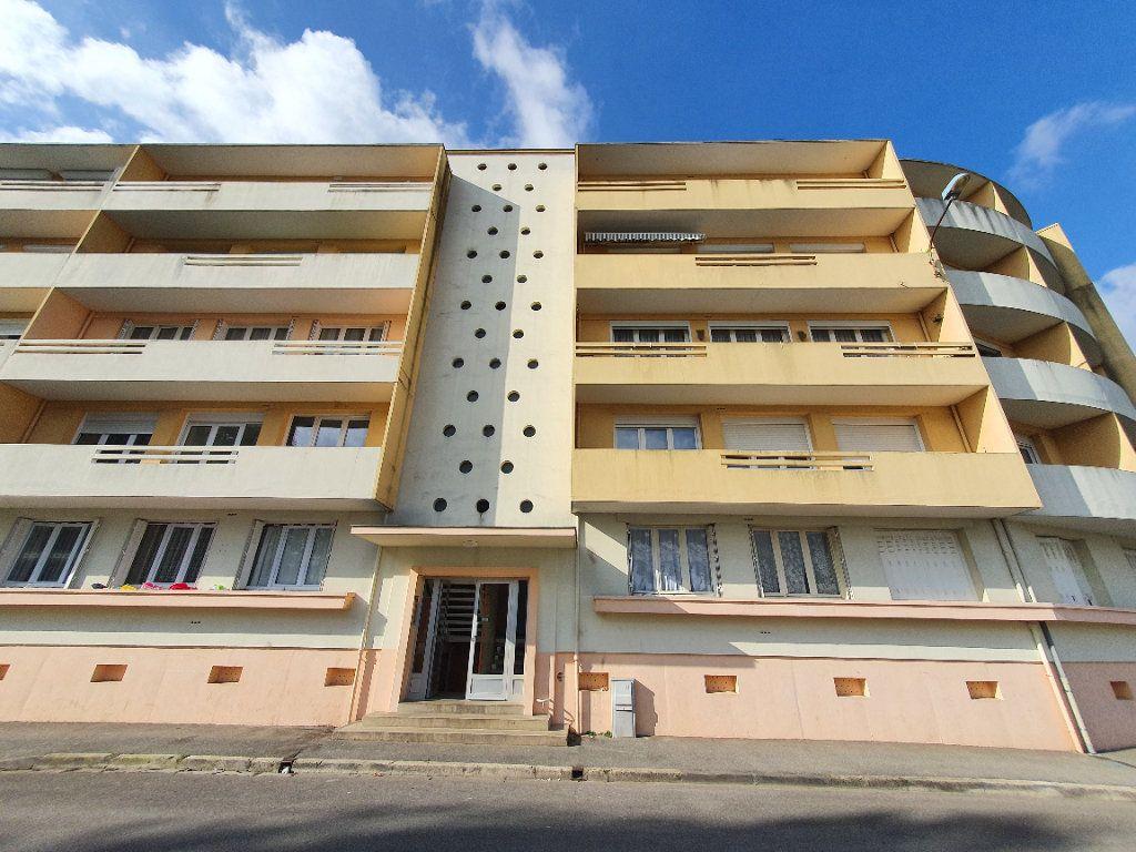 Appartement à louer 4 78.49m2 à Chauny vignette-8