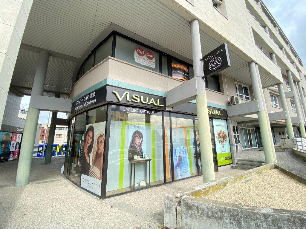 Appartement à vendre 5 130m2 à Laon vignette-1