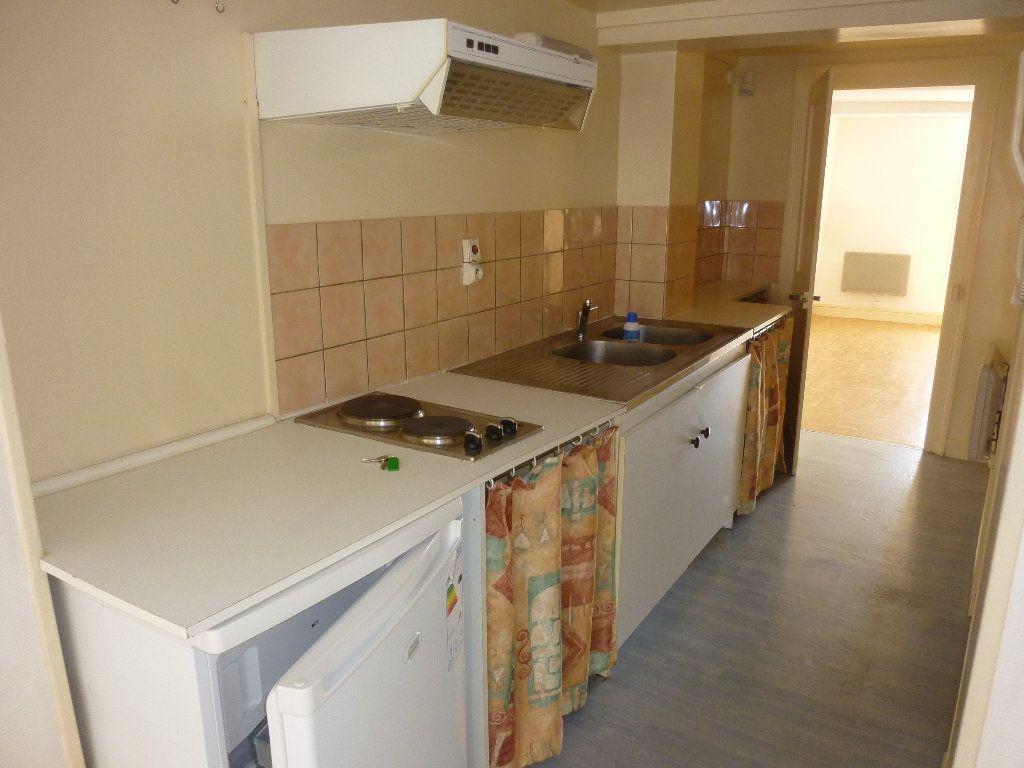 Appartement à louer 2 39m2 à Laon vignette-4