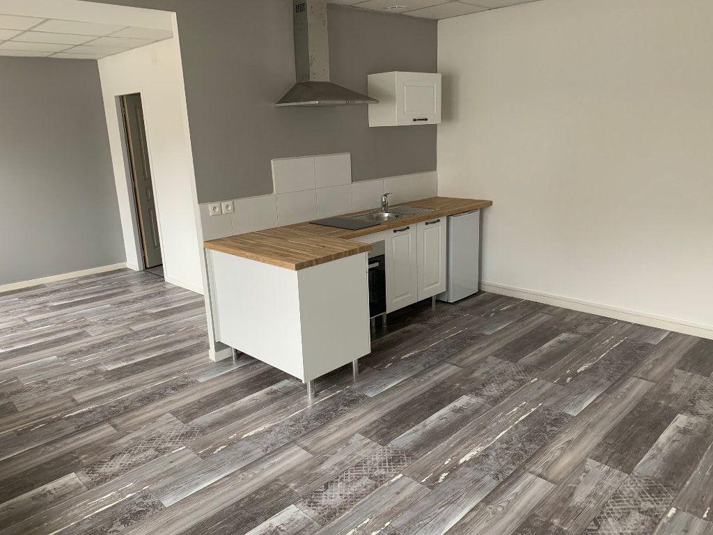 Appartement à louer 1 32m2 à Laon vignette-2