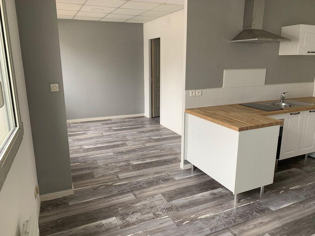 Appartement à louer 1 32m2 à Laon vignette-3