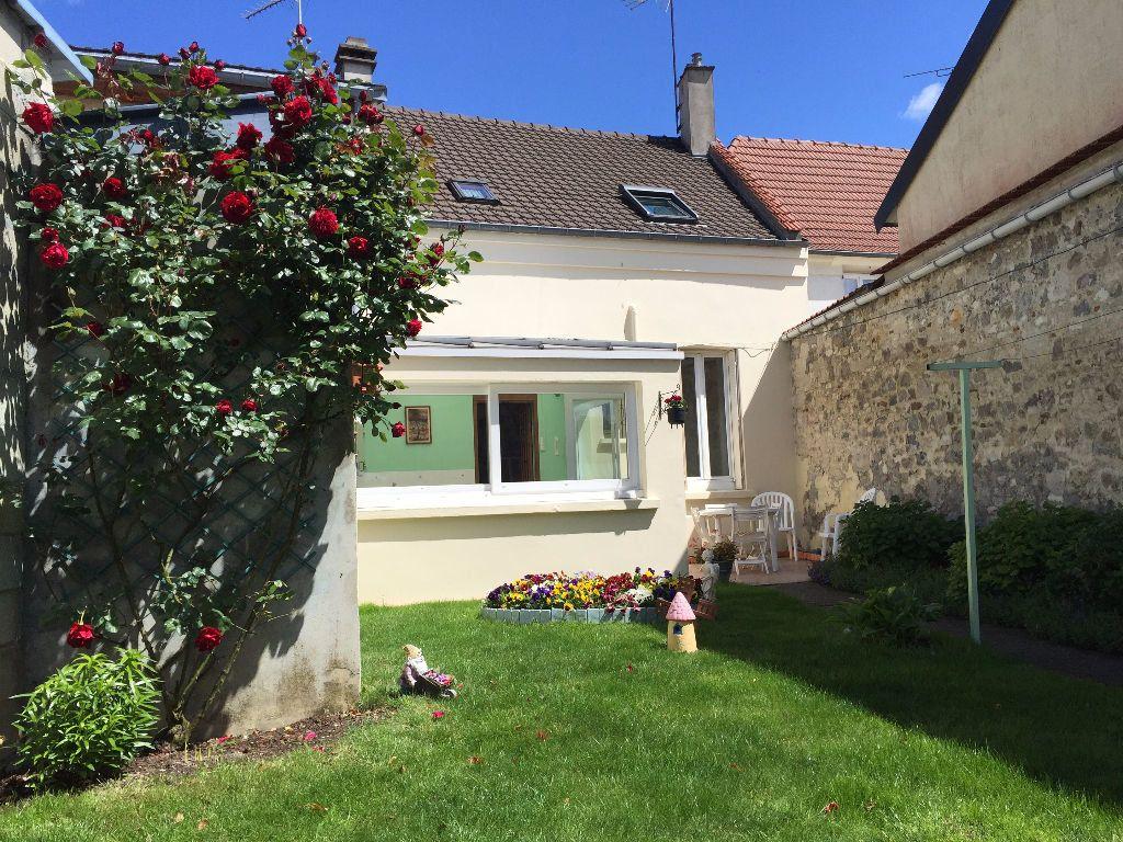 Maison à vendre 4 106m2 à Laon vignette-1