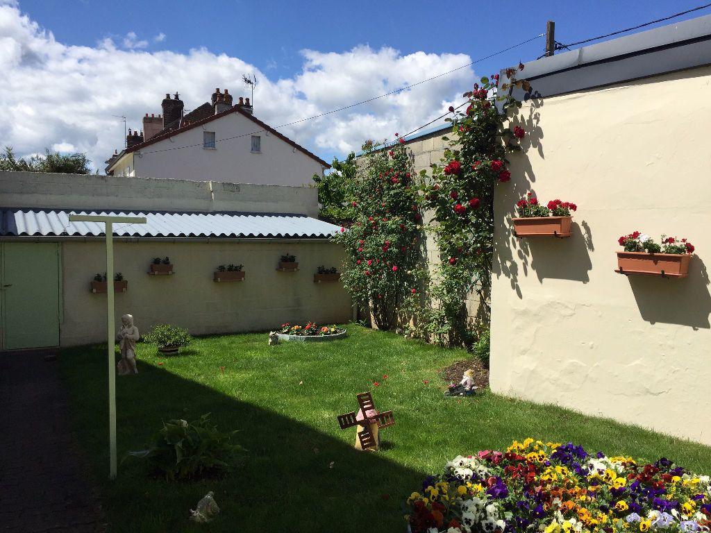 Maison à vendre 4 106m2 à Laon vignette-2