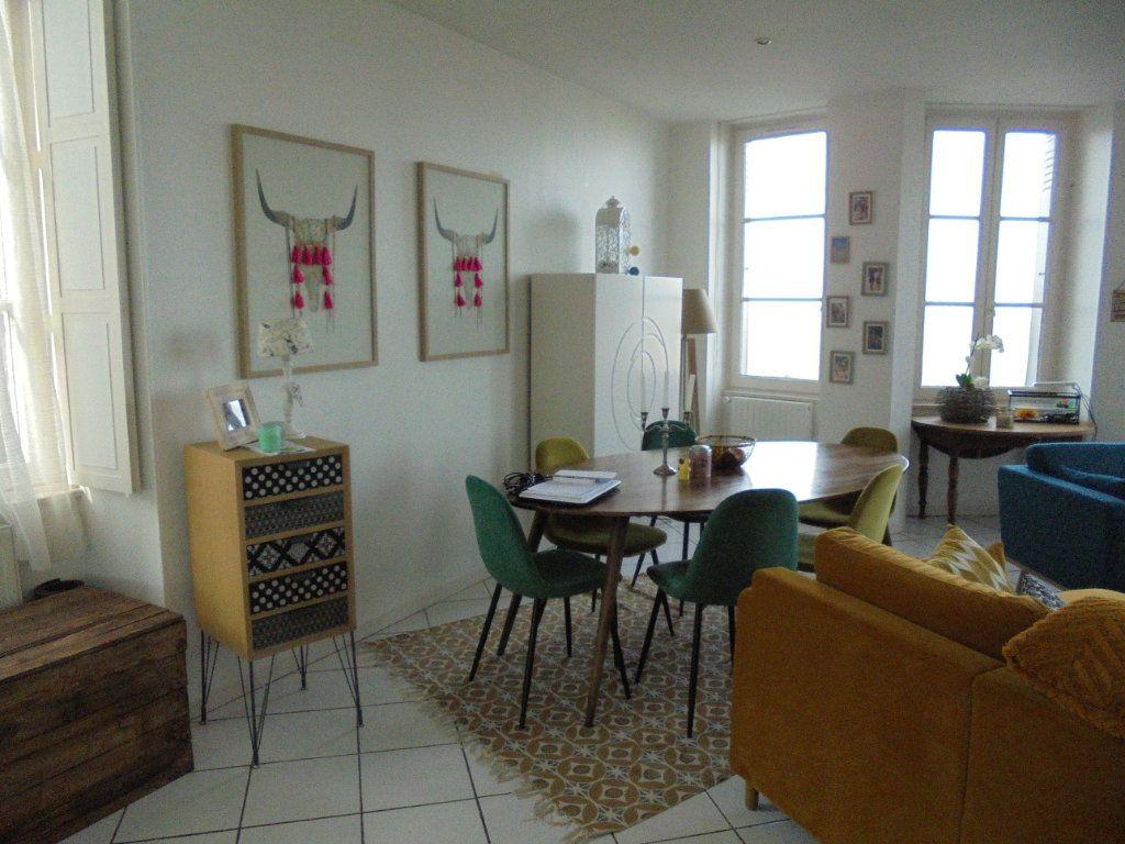 Appartement à louer 4 100m2 à Laon vignette-2