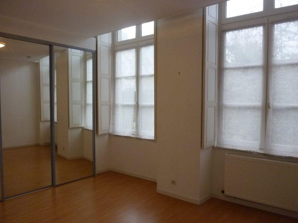 Appartement à louer 4 100m2 à Laon vignette-6
