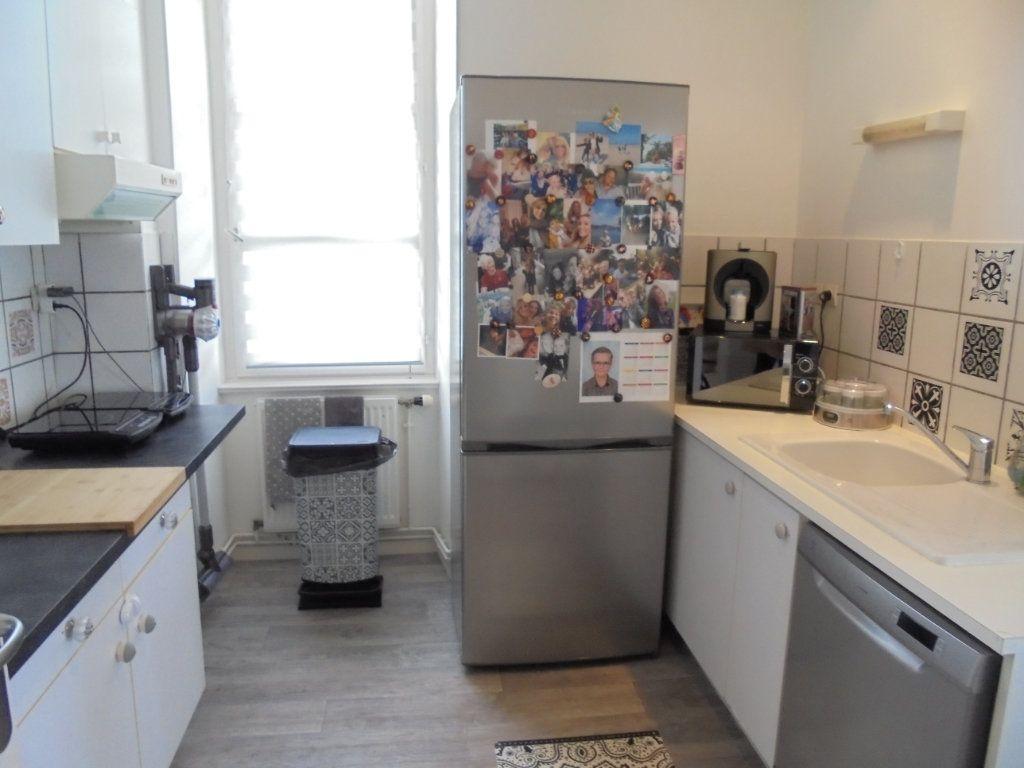 Appartement à louer 4 100m2 à Laon vignette-8
