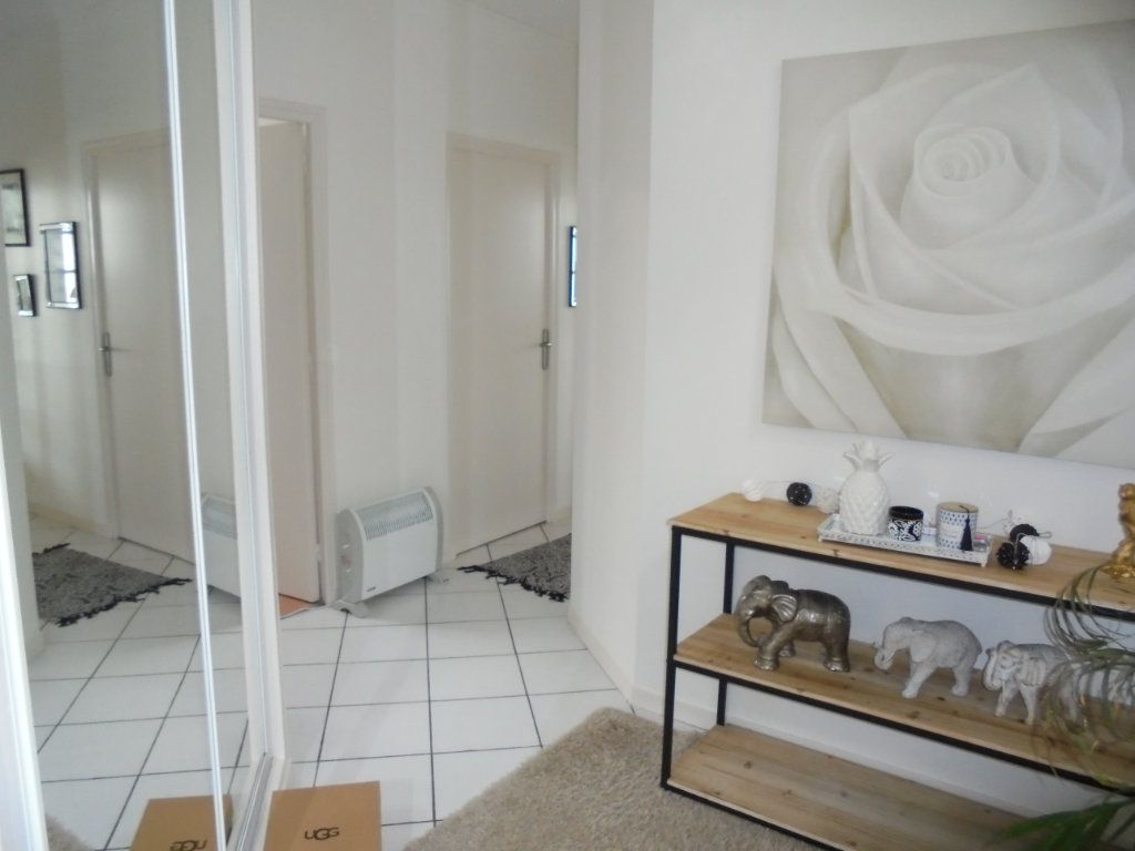 Appartement à louer 4 100m2 à Laon vignette-10