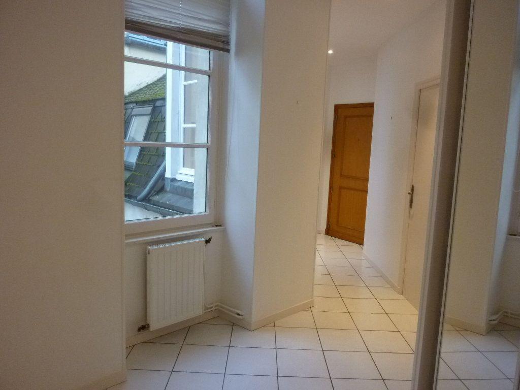 Appartement à louer 4 100m2 à Laon vignette-13