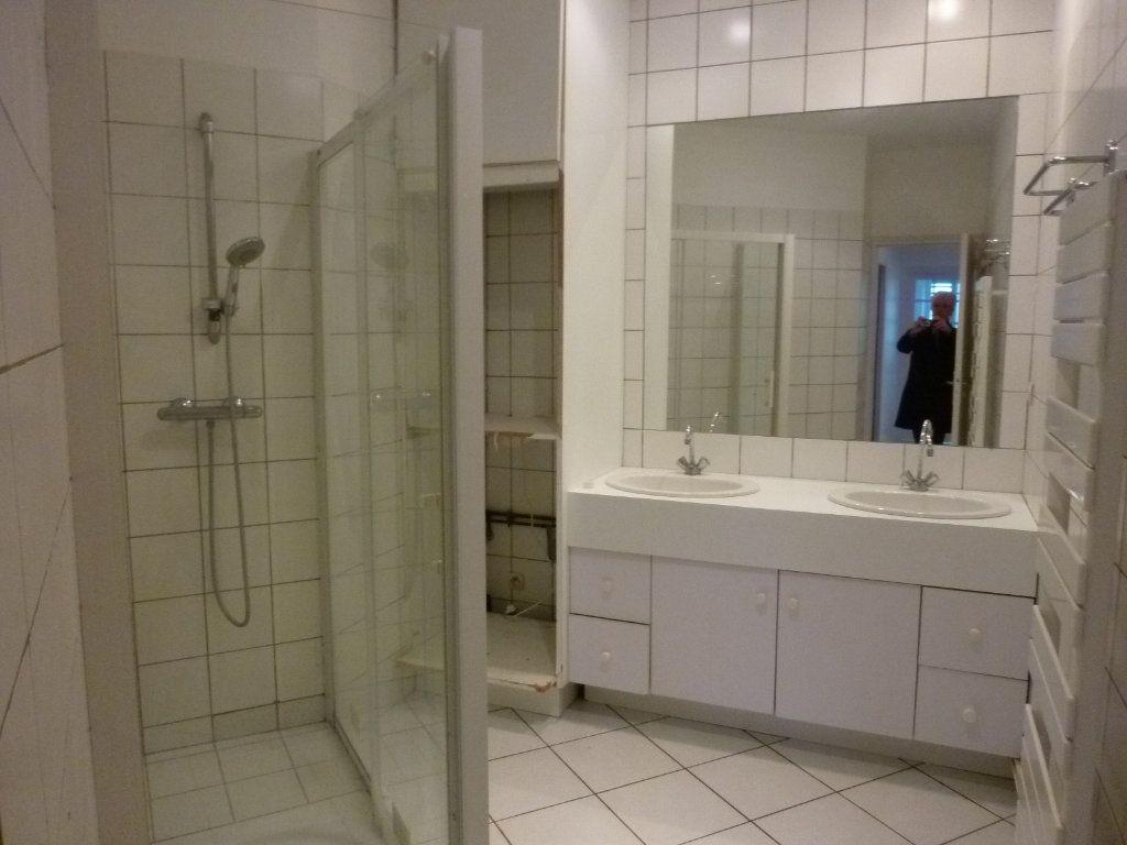 Appartement à louer 4 100m2 à Laon vignette-14
