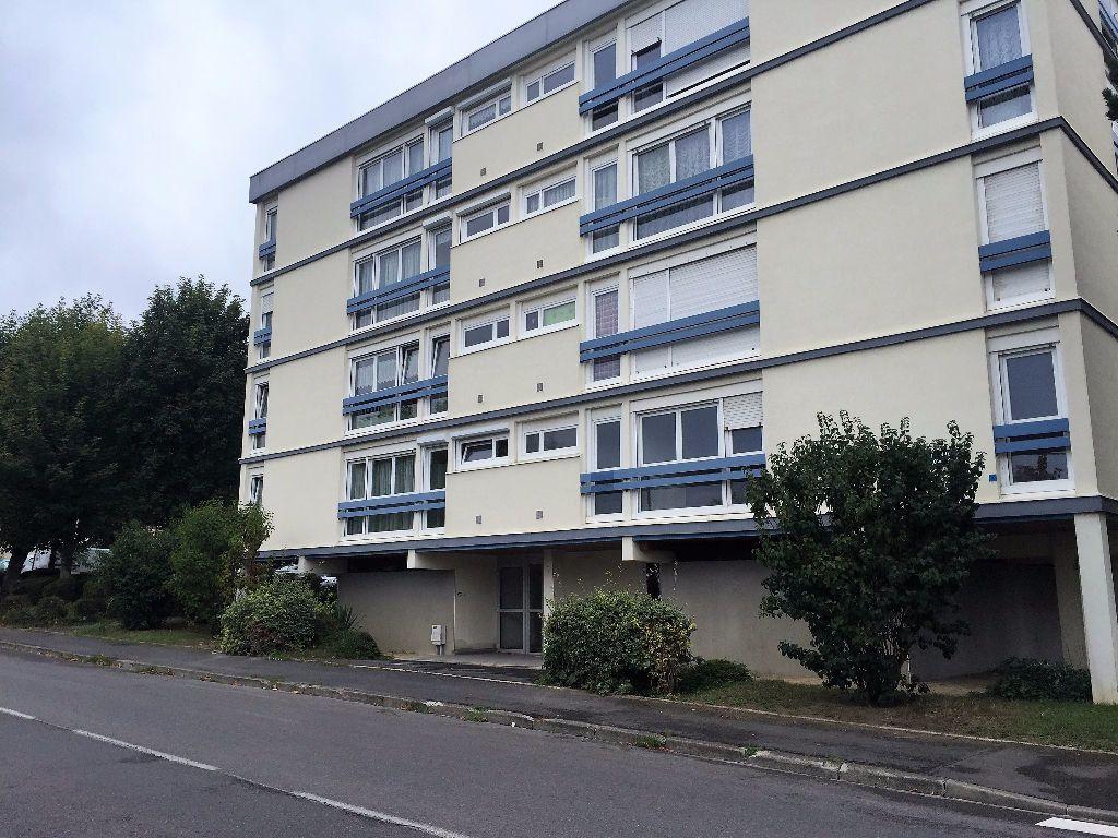 Appartement à vendre 4 65m2 à Laon vignette-1