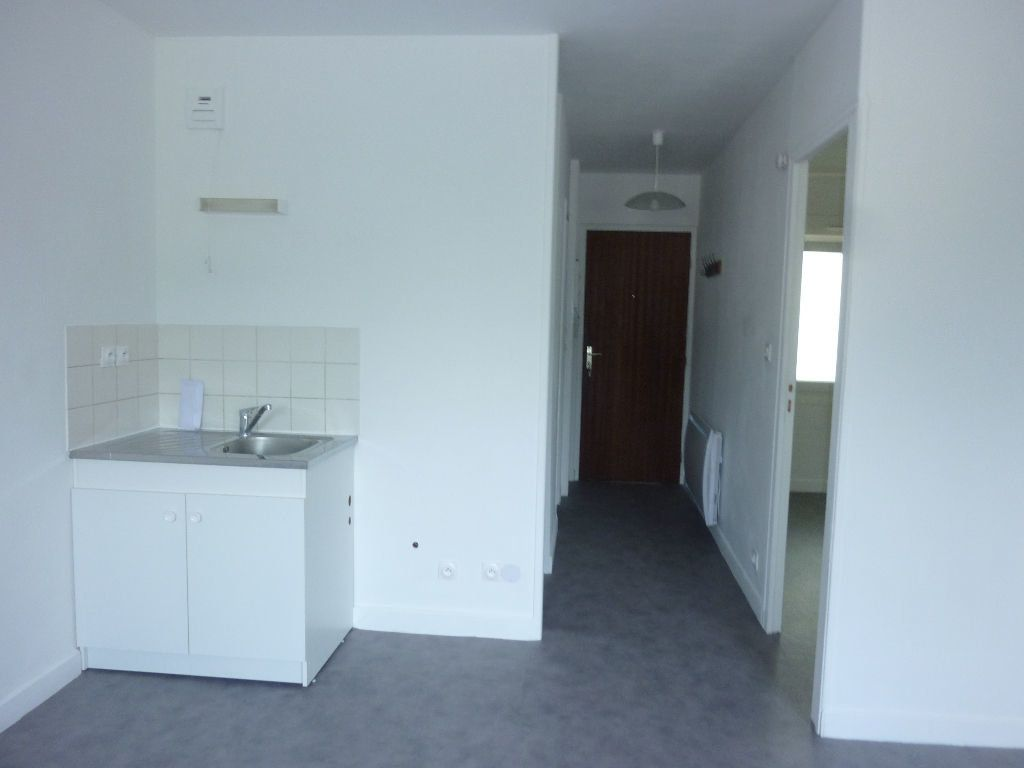 Appartement à louer 2 38m2 à Laon vignette-1