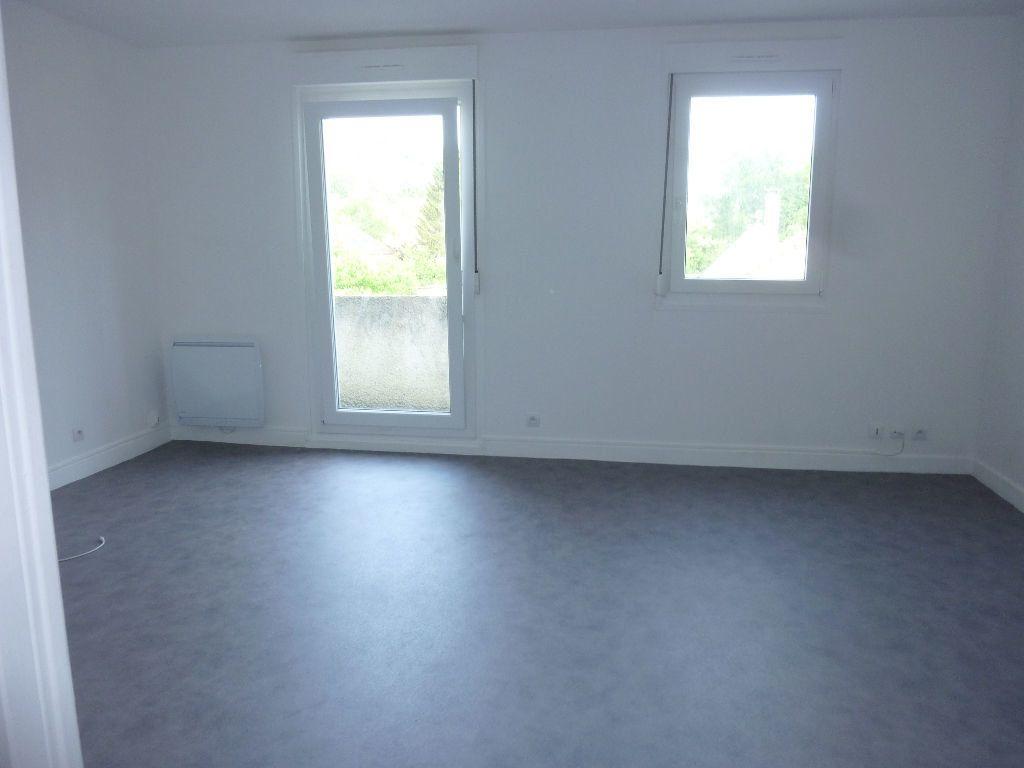 Appartement à louer 2 38m2 à Laon vignette-3