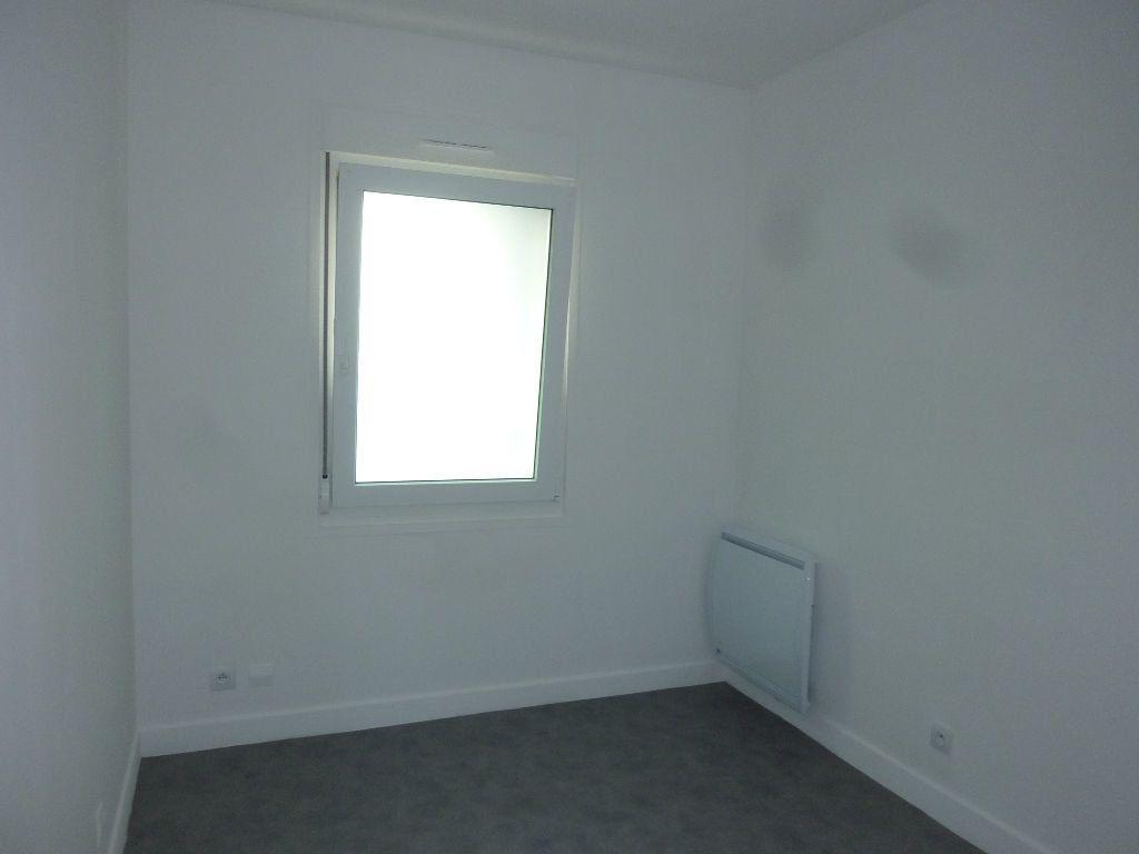 Appartement à louer 2 38m2 à Laon vignette-4